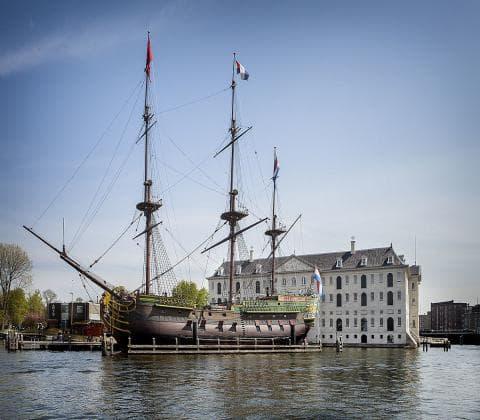 Coffeeshop boat tour - voc ship