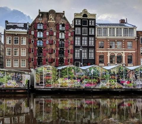 Coffeeshop boat tour - flowermarket from waterside amazing