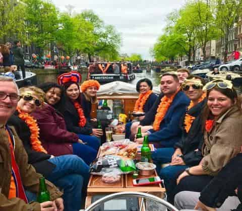coffeeshop-boat-tour-kingsday-holland